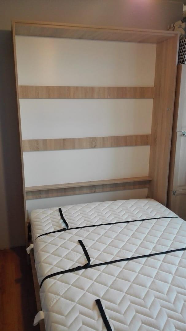 łóżko W Szafie Pionowe